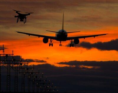 Sticker Drone fliegen in der Nähe von kommerziellen Flugzeug