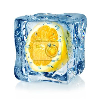 Eiswürfel und Zitrone