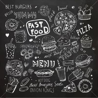 Sticker Fast Food Kritzeleien. Hand gezeichnete Vektorsymbole und -gegenstände