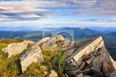 Felsvorsprung an der Bergspitze