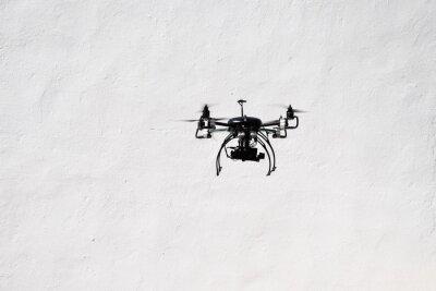 Fliegende Quadrocopter-Drohne mit der Kamera