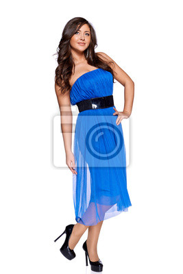 Frau im blauen Kleid