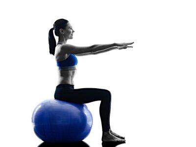 Sticker Frau Pilates Ball Übungen Fitness isoliert