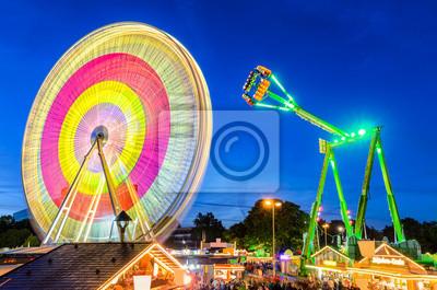 Freizeitpark in der Nacht in Hannover, Deutschland