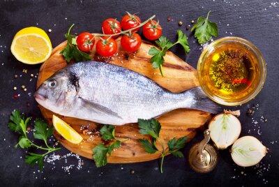 Sticker Frische Fischdorado mit Gemüse