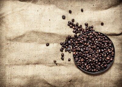 Sticker Gerösteter Kaffee in der Pfanne.