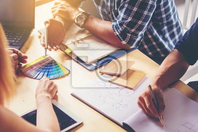 Sticker Geschäftsleute Treffen. Wählen Sie Farben und Materialien für Innenarchitektur neues Haus