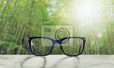 Sticker Glasses that correct eyesight from blurred to sharp