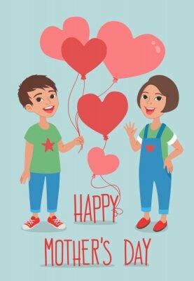 Glückliche Muttertags Grußkartenentwurf. Nette Kinder, die einen Haufen herzförmiger bunter Ballons halten.