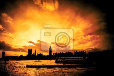glühenden Sonnenuntergang Skyline von London abstrakt