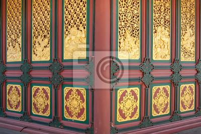 Golden Thai Stil Linie Kunst am Tempel in Chiang Mai, Nord-Thailand.