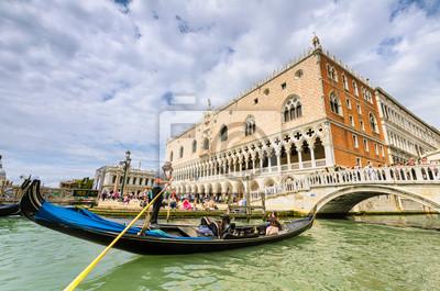 Gondel auf dem Canal Grande in Venedig, Italien