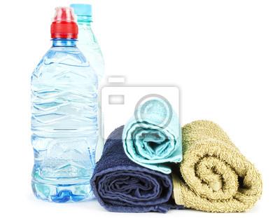 Handtücher und Wasser