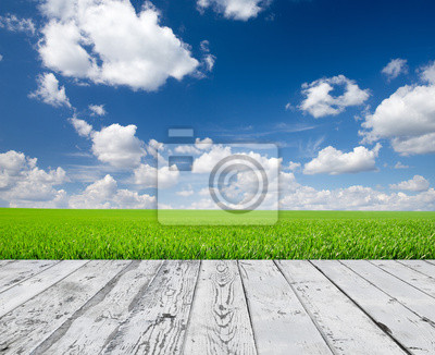 Holzboden mit Wolke Himmel Hintergrund