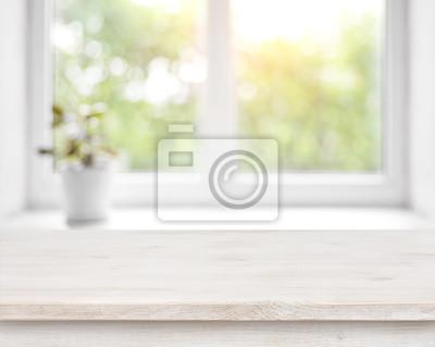 Sticker Holztisch auf defocused Sommer-Fenster mit Blumentopf Hintergrund