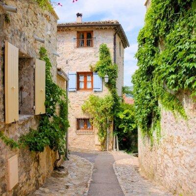 Sticker Hübsches Steinhäuser in einem malerischen Dorf in der Provence, Frankreich