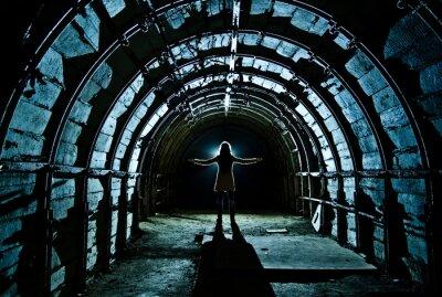 Sticker Innenansicht des Tunnels in verlassenen Kohlebergwerk