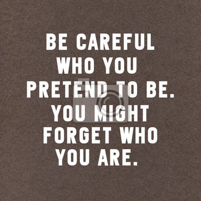Inspirational motivierend Zitat auf schwarzem Papier Hintergrund