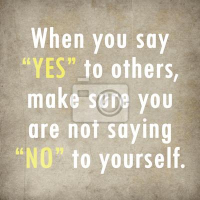 Inspirierend Zitat Worten von Paulo Coelho auf altem Papier, dahinter