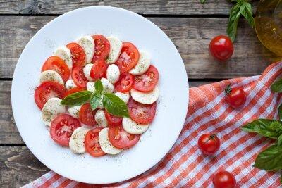 Sticker Italienische traditionelle Antipasti Caprese-Salat mit Mozzarella
