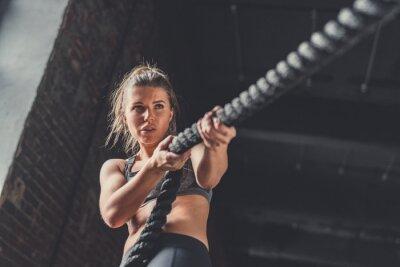 Sticker Junges athletisches Mädchen im Training