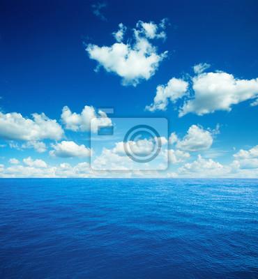 Karibisches Meer und perfekter Himmel