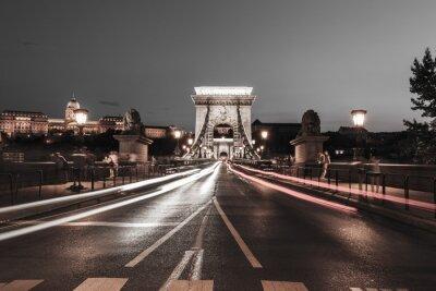 Sticker Kettenbrücke bei Nacht