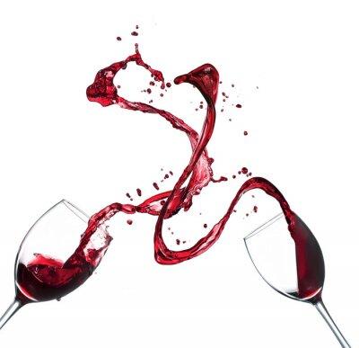 Sticker Konzept Rotwein spritzt aus Gläsern auf weißem Hintergrund