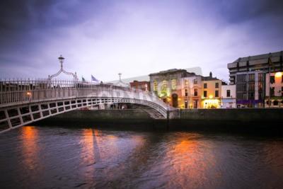 Sticker Landmark Halfpenny-Brücke über den Fluss Liffey in Dublin
