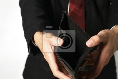 leere Brieftasche mit Business Hände