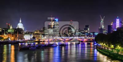 London Skyline bei Nacht