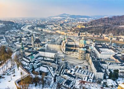Luftaufnahme der Salzburger Altstadt, Österreich