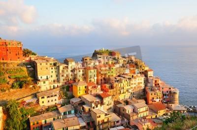 Sticker Malerischen Sonnenuntergang in bunten Dorf Manarola (Cinque Terre, Italien)