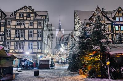 Marktkirche und Altstadt von Hannover sterben nachts im Winter