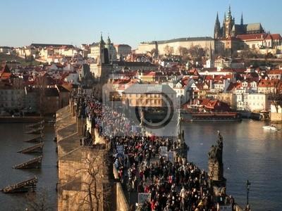 Menschenmenge in Bridge