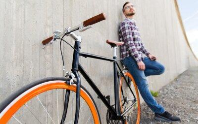 Sticker Nahaufnahme von Hipster festen Gang Fahrrad und Mann