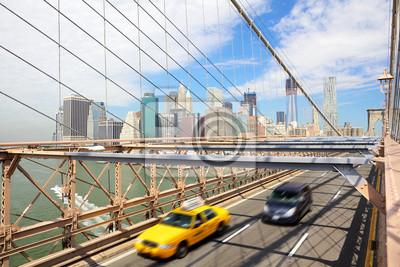New York, Brooklyn Bridge und Taxi