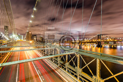 New York - Brooklyn-Brücke bei Nacht