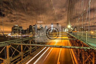 New York - Brooklyn-Brücke bei Nacht - Bankenviertel