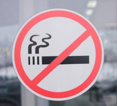 Nichtraucherzeichen an einer Tür