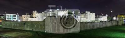 Panorama-Bild von der Tower of London, UK in der Nacht
