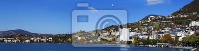 Panoramablick auf die Küste von Montreux