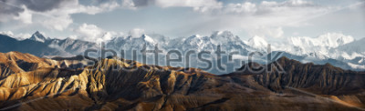 Sticker Panoramic view of the snowy mountains in Upper Mustang, Annapurna Nature Reserve, trekking route, Nepal