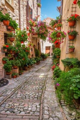 Sticker Porch in kleinen Stadt in Italien in sonnigen Tag, Umbrien