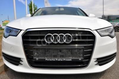 Sticker Prag, der Tschechischen Republik, 2015.02.08 - Neues weißen Audi A6 Parks vor Auto Shop Audi
