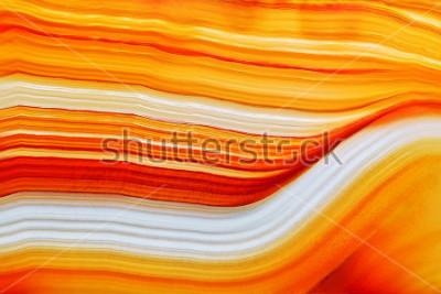 Sticker Querschnitt der natürlichen lichtdurchlässigen Achatkristalloberfläche, Mineralsteinmakronahaufnahme der orange abstrakten Strukturscheibe Mineral