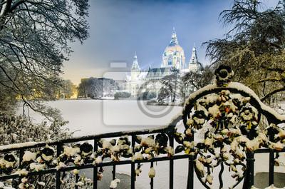 Rathaus Hannover nachts im Winter