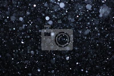 Sticker Real falling snow auf einem schwarzen Hintergrund für den Einsatz als Textur Schicht in Ihrem Projekt. Fügen Sie als