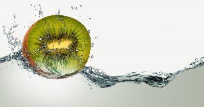 Sticker Reife Frucht der Kiwi und der Funken des Wassers.