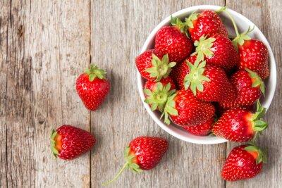 Sticker Rote Erdbeere in einer Schüssel